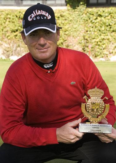 Álvaro Salto, ganador en Lomas Bosque