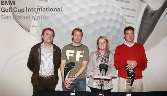 Rafael Bonilla, jefe de ventas de San Rafael Motor, Jeremy Knight (ganador de 2ª), Mª del Carmen Carmona (ganadora en damas) y Víctor Guerra (ganador de 1ª)