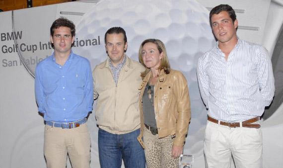 Ignacio Rodríguez-Guanter (ganador de primera), José Alfonso Cordero (gerente de San Pablo Motor), Mª del Valle Lasunción (ganadora en damas) y Rodrigo Castillo, ganador de segunda)