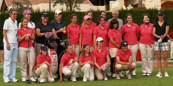 La cantera valenciana con las jugadoras españolas y estadounidenses (foto de Fernando Molina)