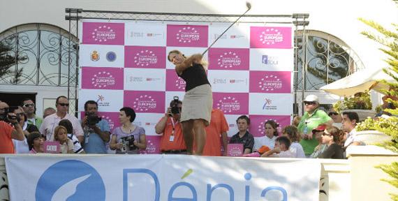 Jenny Kuosa, premiada por sus compañeras (foto de Felipe Pérez)