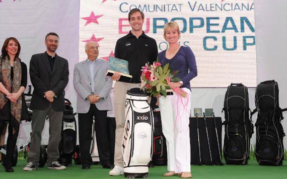 Karrie Webb y uno de los ganadores del ProAm (foto de Felipe Pérez)