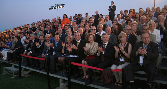 Palco de autoridades en la ceremonia de inauguración del Mundial Universitario de Golf 2010