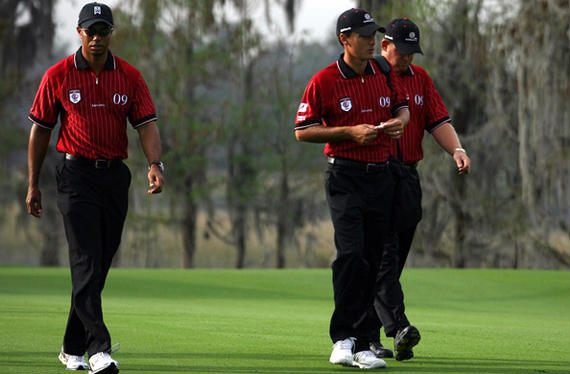 Tiger Woods se cambia de equipo...