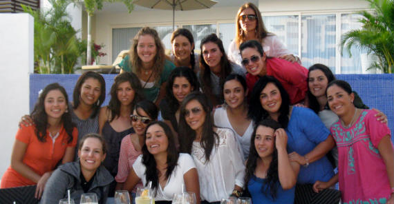 18 de las golfistas latinas del Futures, reunidas en México