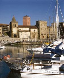 Panorámica del puerto de Gijón