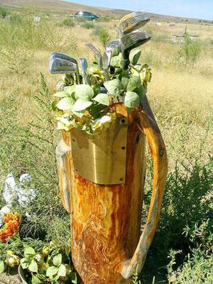 Original lápida con motivos golfísticos