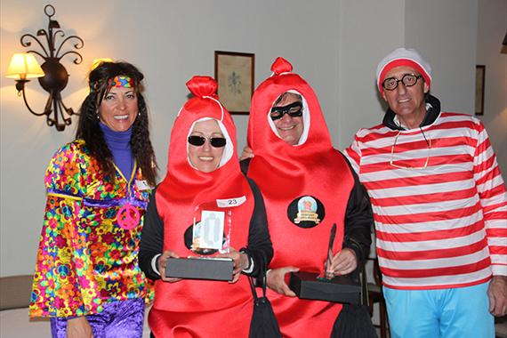 """""""Los chorizos"""" con el premio al disfraz más dificultoso para jugar al golf"""