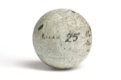 Bola de gutapercha de Allan Robertson (foto © Christie's)