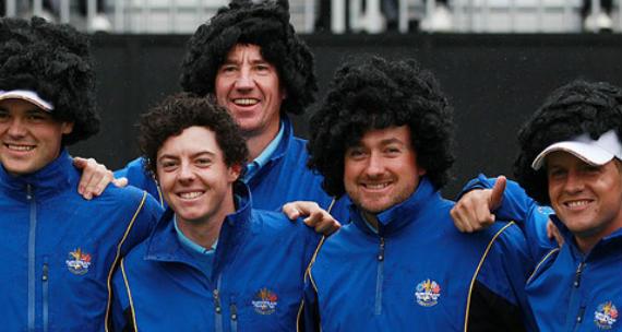 El equipo europeo de la Ryder Cup 2010 disfrazados de Rory McIlroy
