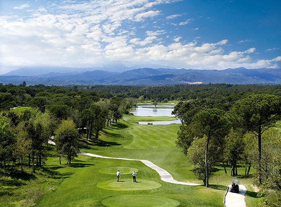 Hoyo 13 de PGA Catalunya